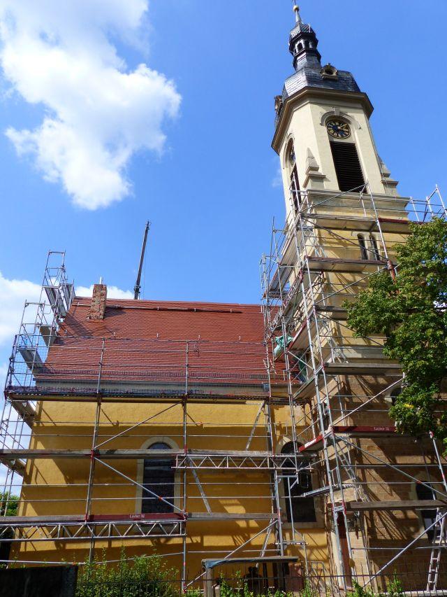 Dach Kirche neu gedeckt
